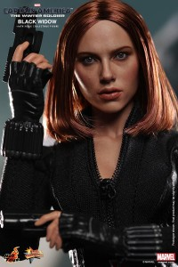 Hot-Toys-Captain-America-The-Winter-Soldier-Black-Widow-12