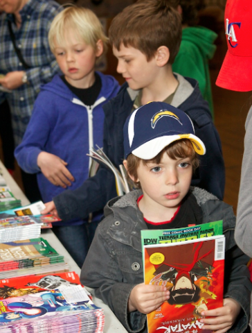 Free Comic Book Day 2013, photo from www.strangeadventures.com