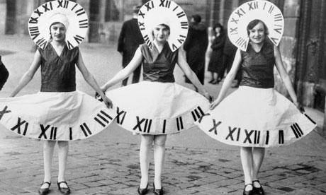 Stock: Clock Ladies