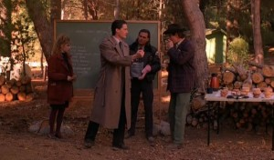 agent cooper, bottles, twin peaks, http://hellogiggles.com/10-greatest-things-happened-twin-peaks