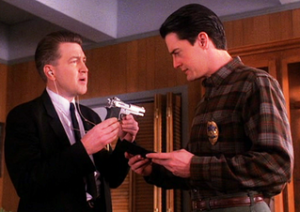 david lynch, agent cooper, twin peaks, http://eddieonfilm.blogspot.com/2006/08/twin-peaks-tuesdays-episode-25.html