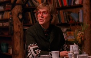 log lady, tea party, twin peaks, http://seriable.com/twin-peaks-episode-5-coopers-dreams-review/