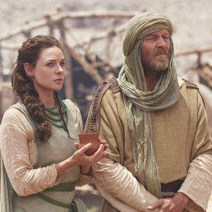 The Red Tent -MOW  Pictured: Rebecca Ferguson, Iain Glen  Shot on location in Morocco, May 2014 Courtesy of Showcase Canada
