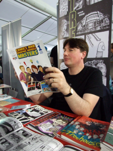 Treehouse Comic Dundee reading someone else's wares, Thought Bubble, 2915