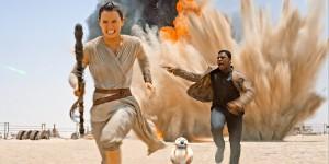 Star Wars: The Force Awakens Screenshot with Rey (Daisy Ridley) and Finn (John Boyega)