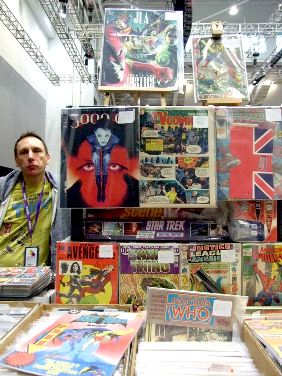 The booth (shop?) was called FANDOM STRANGER. That's cute. And check out the lovely odd-shaped British comics!