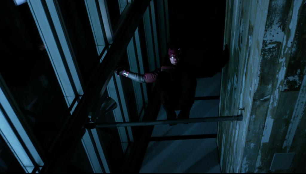 Dardevil perching in season two of Daredevil