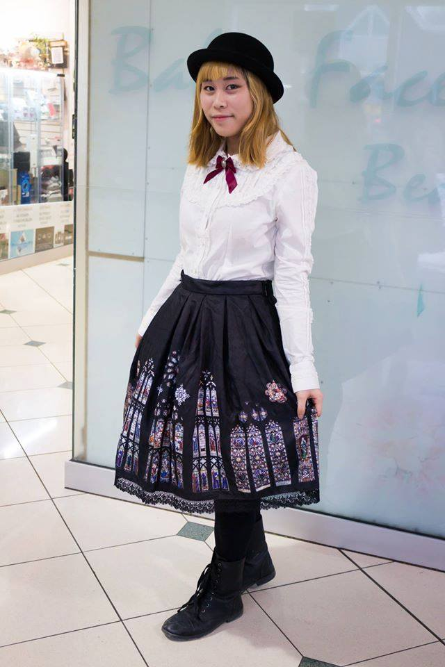 Rowey Ching in Classical Lolita, provided by Rowey Ching