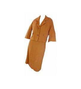 https://www.etsy.com/listing/271227621/jackie-o-vintage-rust-wool-suit-boxy-60s?ref=related-6