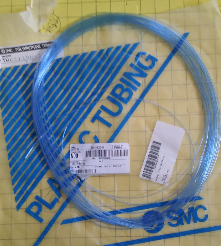 A slightly blurry shot of the plastic tubing. It's blue!