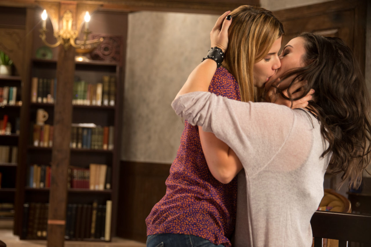 Elise Bauman and Natasha Negovanlis Talk Carmilla Season 3