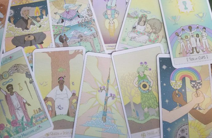 The Luna Sol Tarot: An Intuitively Magical Deck